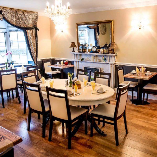 aaron-house-dining-area